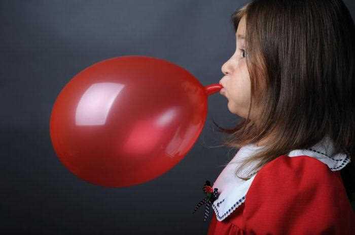 Объемлегкихи какего увеличить с помощью надувания шариков
